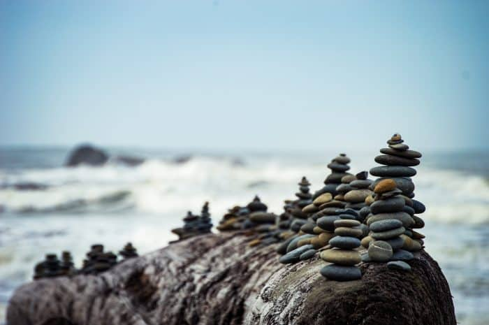 investblue-blog-money-mojo_balancing-rocks