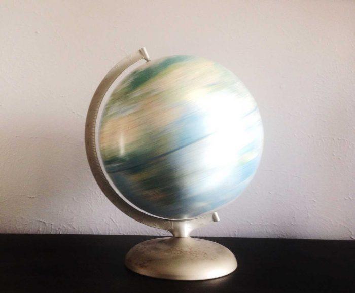 inline globe image of investblue